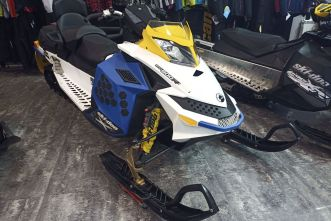 Summit Freeride 154 800R E-TEC